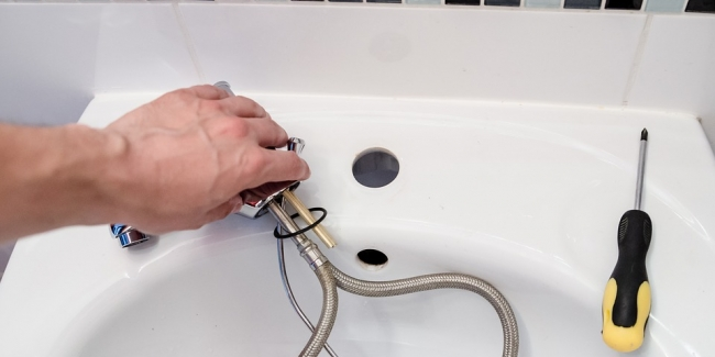 La garantie décennale pour le plombier chauffagiste : comparateur, coût et tarif