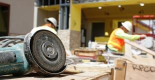 Peut-on changer d'assurance décennale en cours de contrat ?